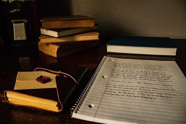 scrivere un saggio